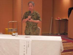 講演する陸上自衛隊第46普通科連隊連隊長。